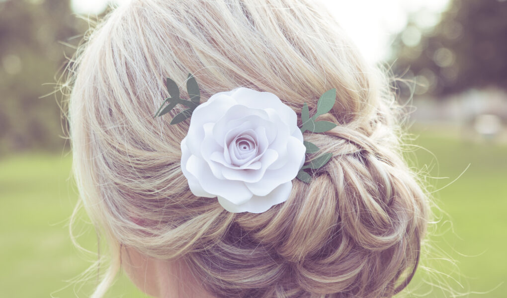 Růže do vlasů